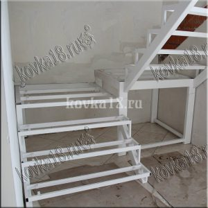 Каркас металлической лестницы образец №2