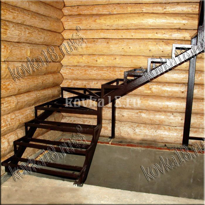 Каркас металлической лестницы образец №4