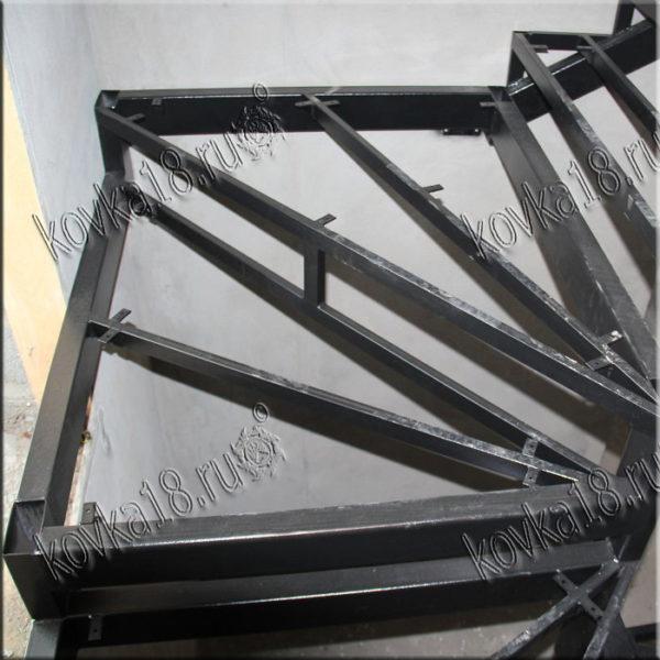 железные лестницы на второй этаж