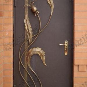 кованые узоры на двери